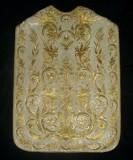 Manifattura ligure sec. XIX, Pianeta in gros bianco con ricami in oro