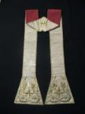 Manifattura ligure sec. XIX, Stola in gros bianco con ricami in oro 2/2