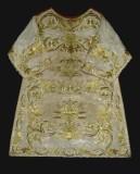 Manifattura ligure sec. XIX, Dalmatica in gros bianco con ricami in oro 2/2