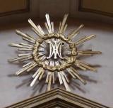 Ambito bergamasco sec. XVIII, Monogramma della Madonna in legno dorato