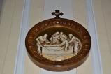 Bottega siciliana sec. XX, Rilievo con la XIV stazione della Via Crucis