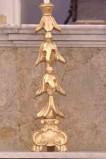 Bottega siciliana sec. XX, Candeliere d'altare con intagli a gigli 2/4