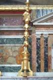 Bottega siciliana sec. XX, Candeliere d'altare con intagli a grappoli d'uva 3/6