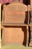Bottega siciliana secc. XIX-XX, Sedia a braccioli con postergale figurato