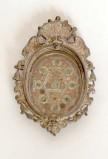 Bottega siciliana secc. XIX-XX, Reliquiario con cornice a volute 3/4