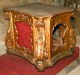 Bottega umbra sec. XVIII, Base in legno dorato