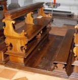 Bottega umbra (1744), Banco inginocchiatoio basso 5/18