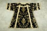 Manifattura veneta (1899), Dalmatica nera con fiori bianchi 2/2