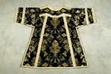 Manifattura veneta (1899), Dalmatica nera con fiori bianchi 1/2